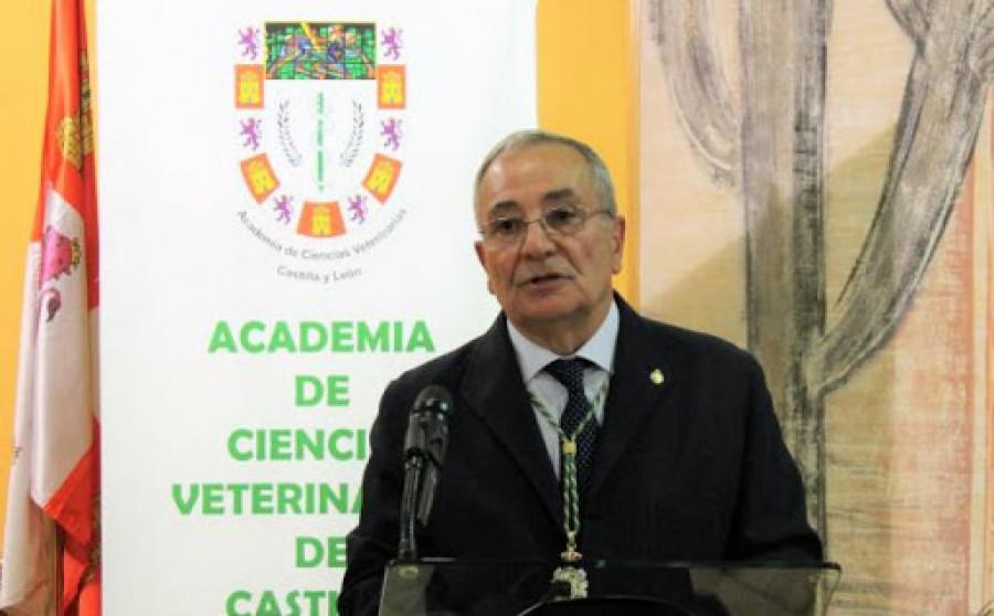 Elías Rodríguez Ferri veterinario experto microbiología